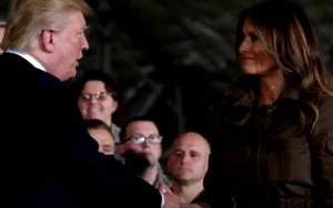 Peinlich! Was hat es mit Donald und Melania Trumps seltsamem Handschütteln auf sich?