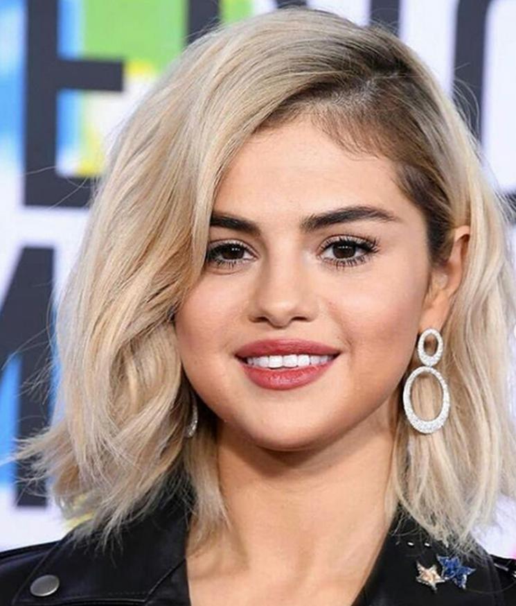 Fans sind sauer! Fettnäpfchen für Selena bei den AMAs